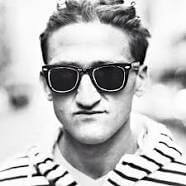 Casey Neistat youtube vlogger good vlogging camera